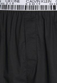 Calvin Klein Underwear - SLEEP PANT - Pyjama bottoms - black - 2