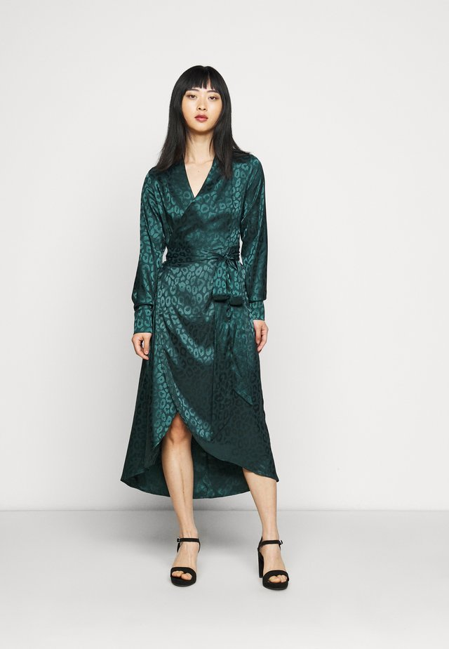 LEOPARD LONGSLEEVE WRAP DRESS - Cocktailjurk - emerald