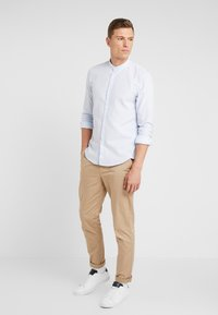 Casual Friday - PANTS PELLE - Chinos - silver mink - 1