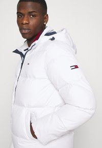 Tommy Jeans - ESSENTIAL JACKET - Winter jacket - white - 6