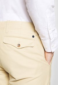 NN07 - STEVEN - Chinos - light khaki - 3