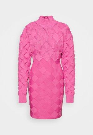 CHUNKY WEAVE BANDAGE  - Sukienka etui - neon pink