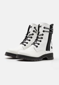 Marco Tozzi by Guido Maria Kretschmer - Lace-up ankle boots - white - 2