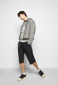Viktor&Rolf - BERMUDA  - Shorts - black - 3