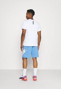 Nike Sportswear - Shorts - psychic blue/sail - 2