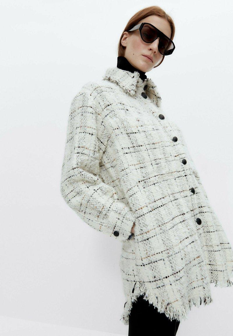 Uterqüe - Summer jacket - beige