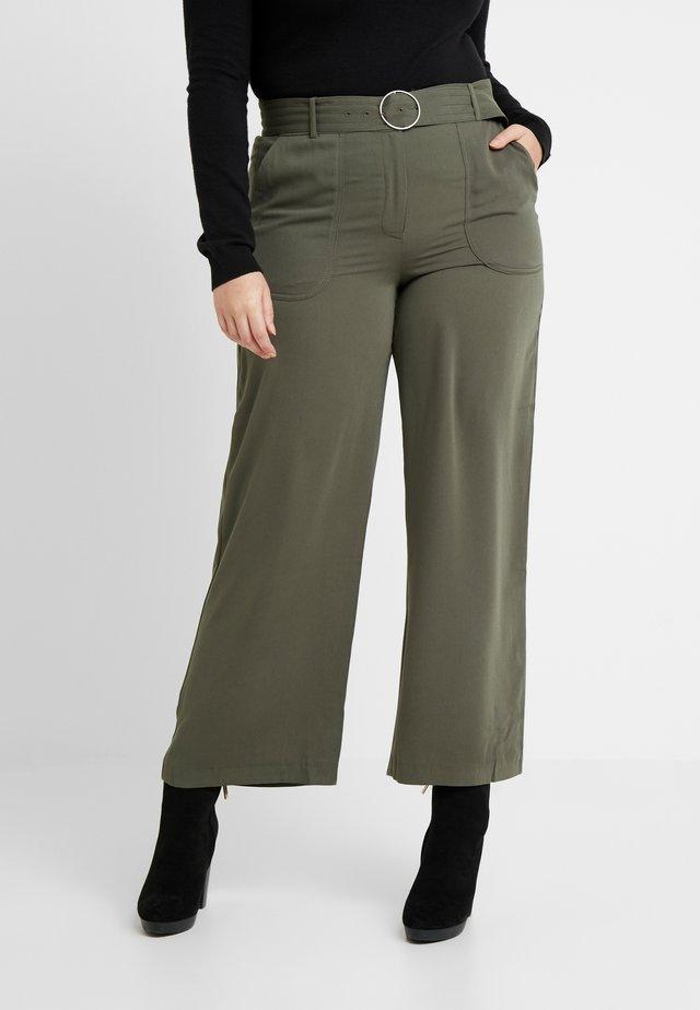 UTILITY WIDE LEG TROUSER - Pantalones - olive