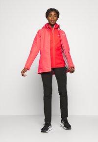 Regatta - HAMARA  - Regnjakke / vandafvisende jakker - neon pink - 1