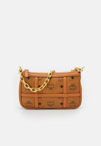 DELMY SHOULDER BAG IN VISETOS - Handbag - cognac