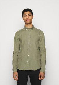 Les Deux - CHRISTOPH - Camisa - lichen green - 0