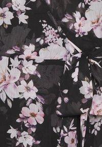 Forever New Curve - EMMA FLUTTER WRAP DRESS - Day dress - midnight bloom - 2