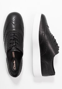 Clarks - HERO BROGUE - Casual lace-ups - black - 3