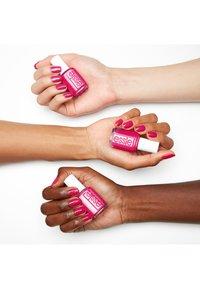 Essie - NAIL POLISH COLLECTION TANGERINE TEASE - Nail polish - 772 pucker up - 2