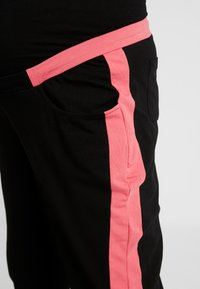 ohma! - SPORT TROUSERS WITH CONTRAST COLOR - Tracksuit bottoms - black - 4