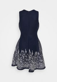 DKNY - EMBROIDERED FIT AND FLARE - Robe fourreau - midnight/ivory - 7