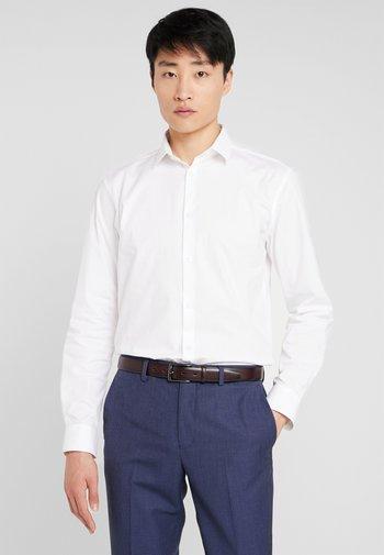 SLHSLIMBROOKLYN - Formal shirt - white