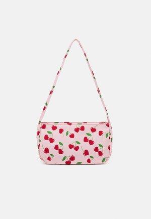 SHOULDER BAG - Handväska - candy pink/red