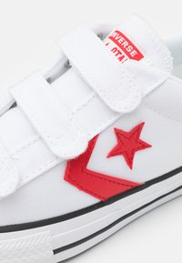 Converse - STAR PLAYER UNISEX - Trainers - white/university red/blue - 5