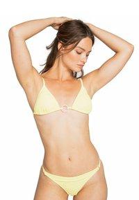 Billabong - FEELS LIKE LOVE ISLA - Bikini bottoms - radiant yellow - 2