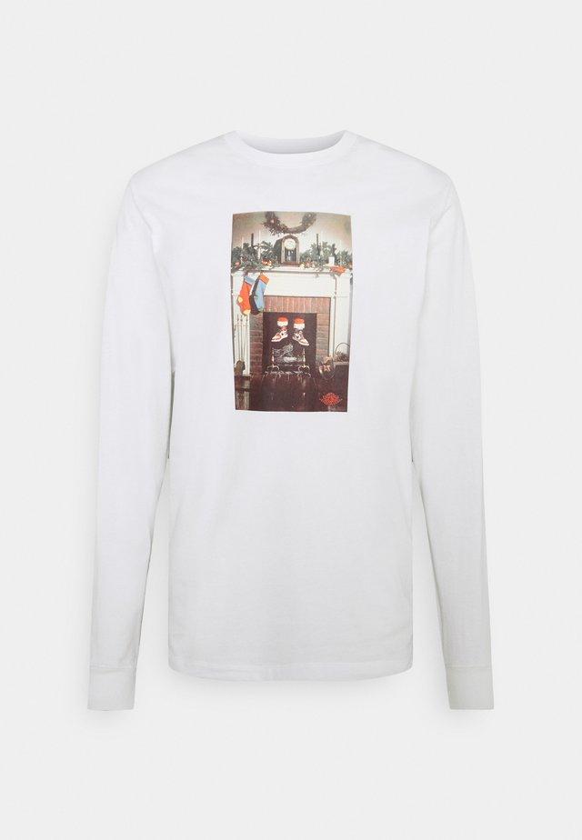CHIMNEY CREW - Pitkähihainen paita - white