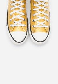 Converse - CHUCK TAYLOR ALL STAR - Baskets montantes - gold/egret/black - 5