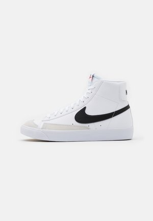 BLAZER MID '77 UNISEX - Höga sneakers - white/black/total orange