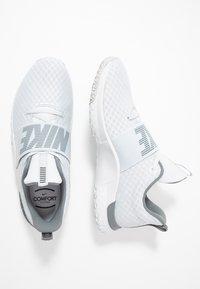 Nike Performance - RENEW IN-SEASON TR 9 - Kuntoilukengät - pure platinum/black/cool grey - 1