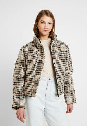 QUAKE - Winter jacket - yellow