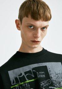 PULL&BEAR - Sweatshirt - mottled black - 3