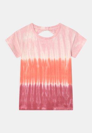 BATIK TEEN - Print T-shirt - neon red