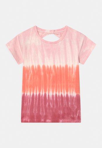 BATIK TEEN - Triko spotiskem - neon red