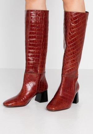 Vysoká obuv - monterrey