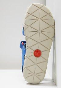 Timberland - PERKINS ROW 2-STRAP - Walking sandals - bright blue - 5