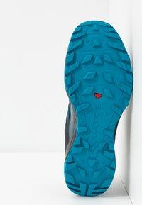 Salomon - XA DISCOVERY GTX - Trail running shoes - poseidon/black/fjord blue - 4