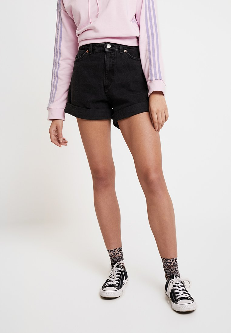 Monki - TALLIE  - Shorts di jeans - washed black
