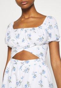 Hollister Co. - ROMPER - Jumpsuit - white floral - 5