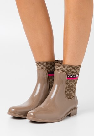 RIVINGTON RAIN BOOTIE - Wellies - otter