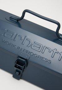 Carhartt WIP - SCRIPT TOOL BOX - Other - admiral - 3