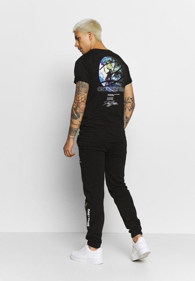 GLOBAL - T-shirt imprimé - black