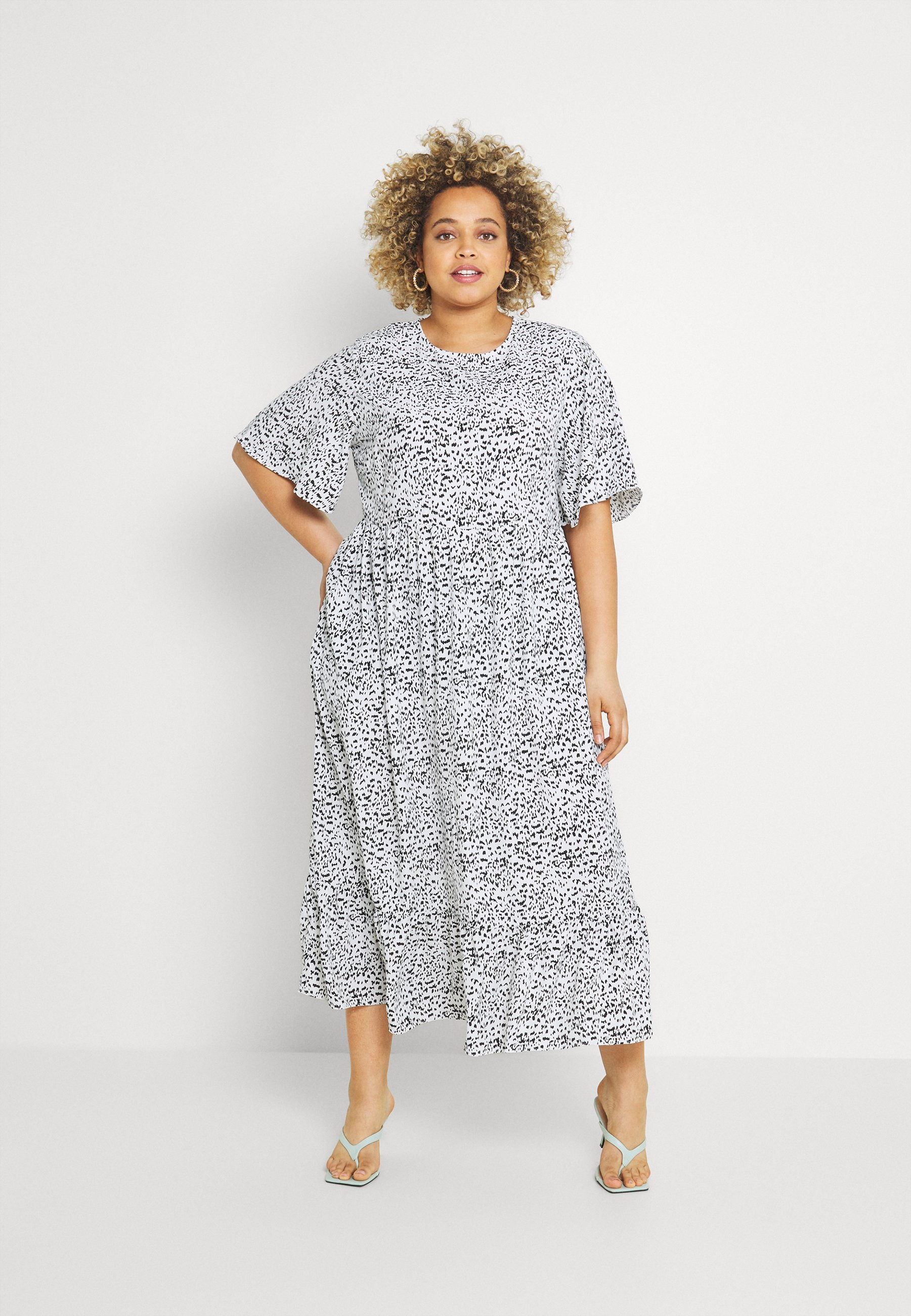 Women TIERED DRESS WITH SLEEVES - Day dress