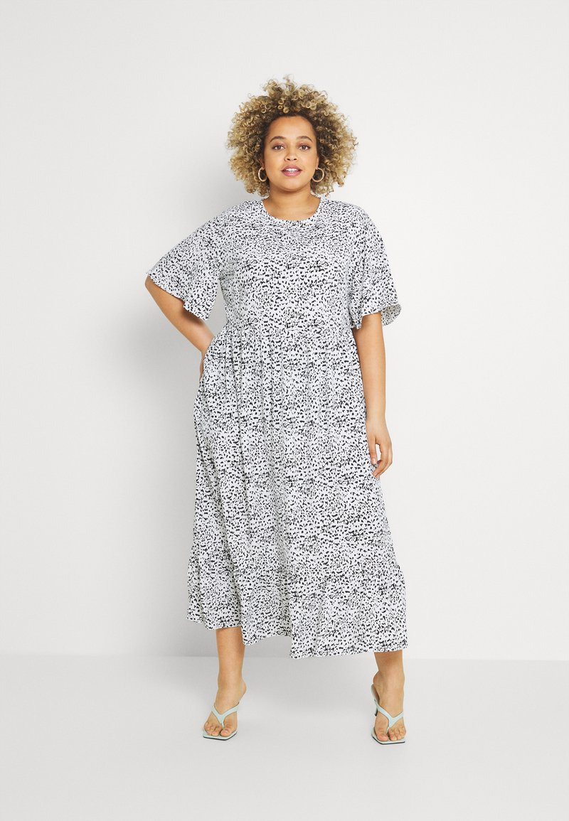 Glamorous Curve - TIERED DRESS WITH SLEEVES - Day dress - white