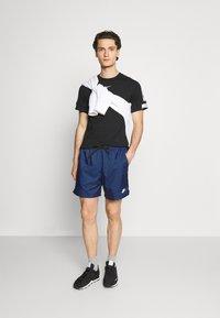 Nike Sportswear - FLOW GRID - Short - game royal/game royal/white - 1