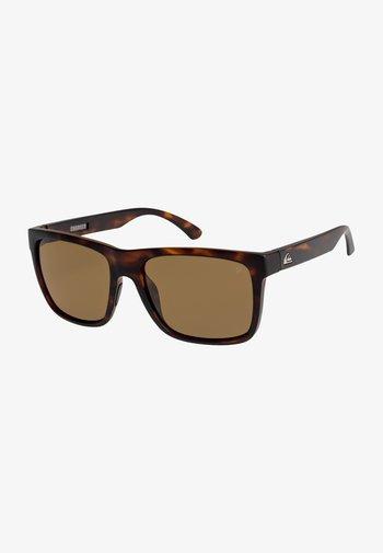 EQYEY - Sunglasses - matte tortoise/ brown polarize
