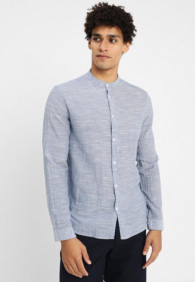 REED MANDARIN - Camisa - light indigo blue