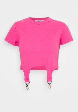 SHORTSLEEVE RINGER TRIGGER DETAIL - Print T-shirt - pink