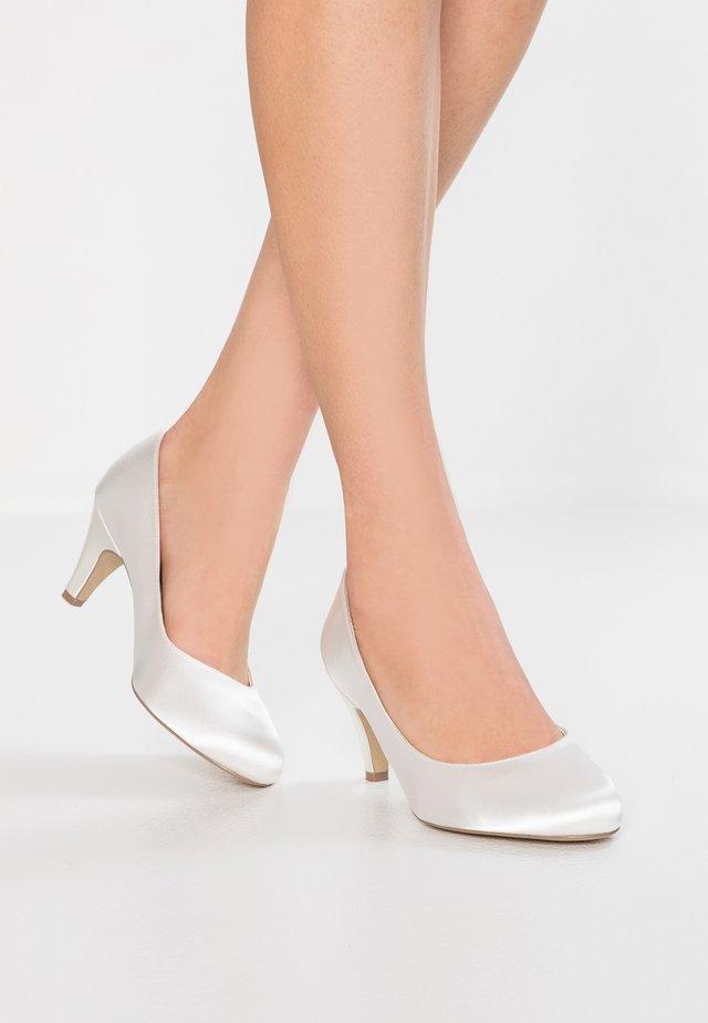 ASTRA WIDE FIT - Svatební boty - ivory