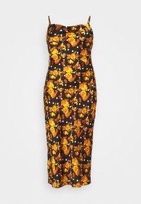 Glamorous Curve - MIDI DRESS WITH NARROW STRAPS AND SIDE SPLIT - Denní šaty - ochre rose - 6