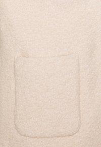 ICHI PETITE - IHSTIPA - Krátký kabát - tapioca - 2