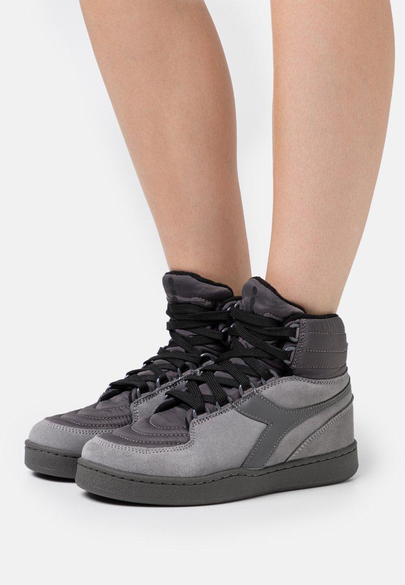 Diadora - BASKET MOON - Zapatillas altas - gray/pewter