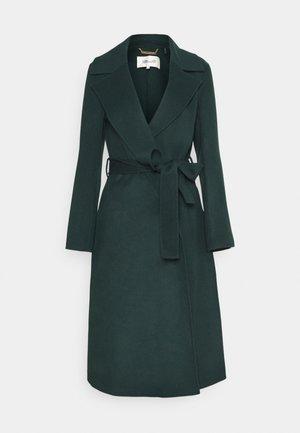 YUSRA - Classic coat - fir